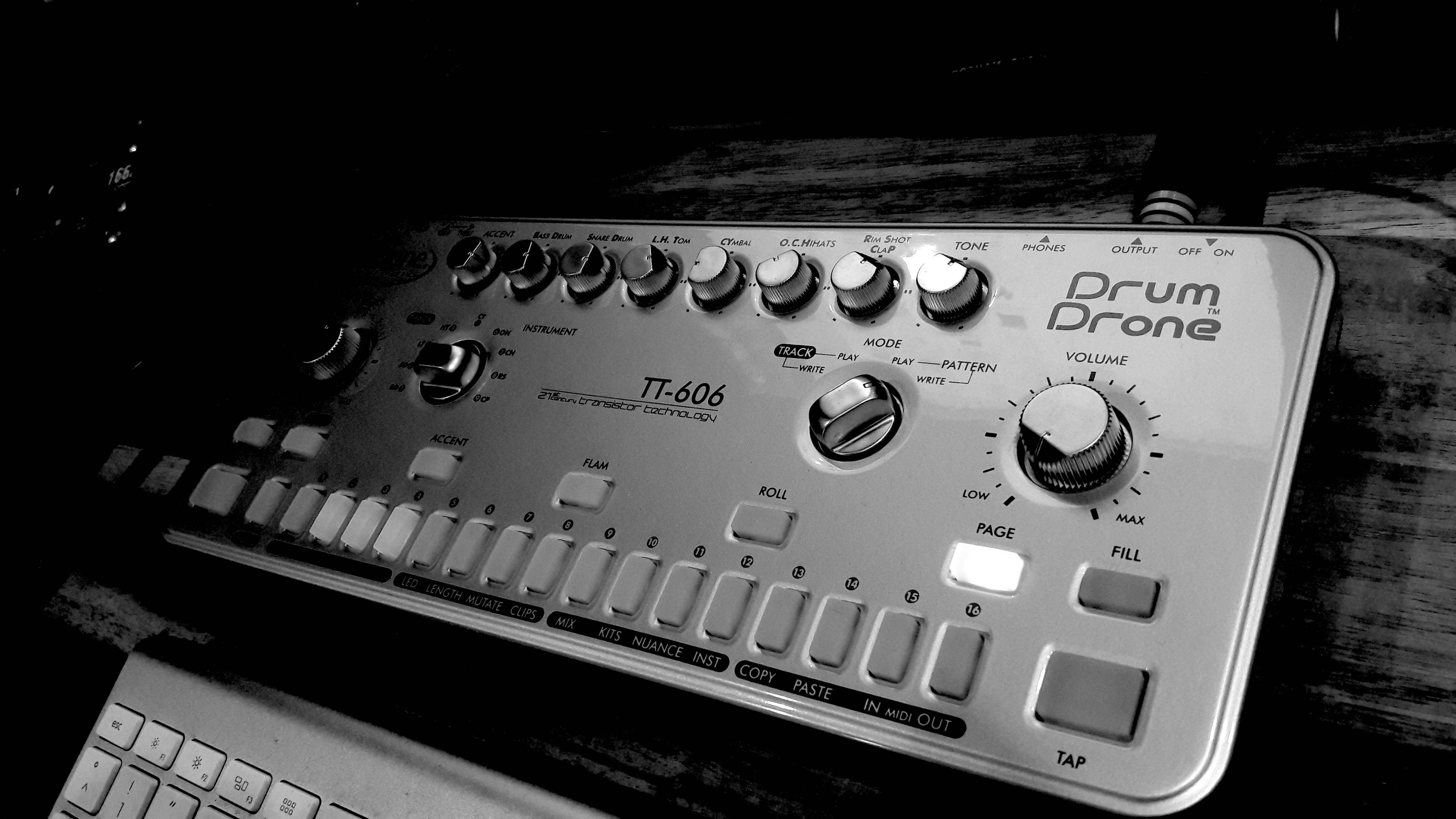 Cyclone Analogic TT-606 a timeless drummachine
